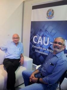 Foto: Lelé e o presidente do CAU/BA Guivaldo D'Alexandria