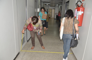 Funcionárias do CAU/BA realizando vistoria de acessibilidade no Hemoba