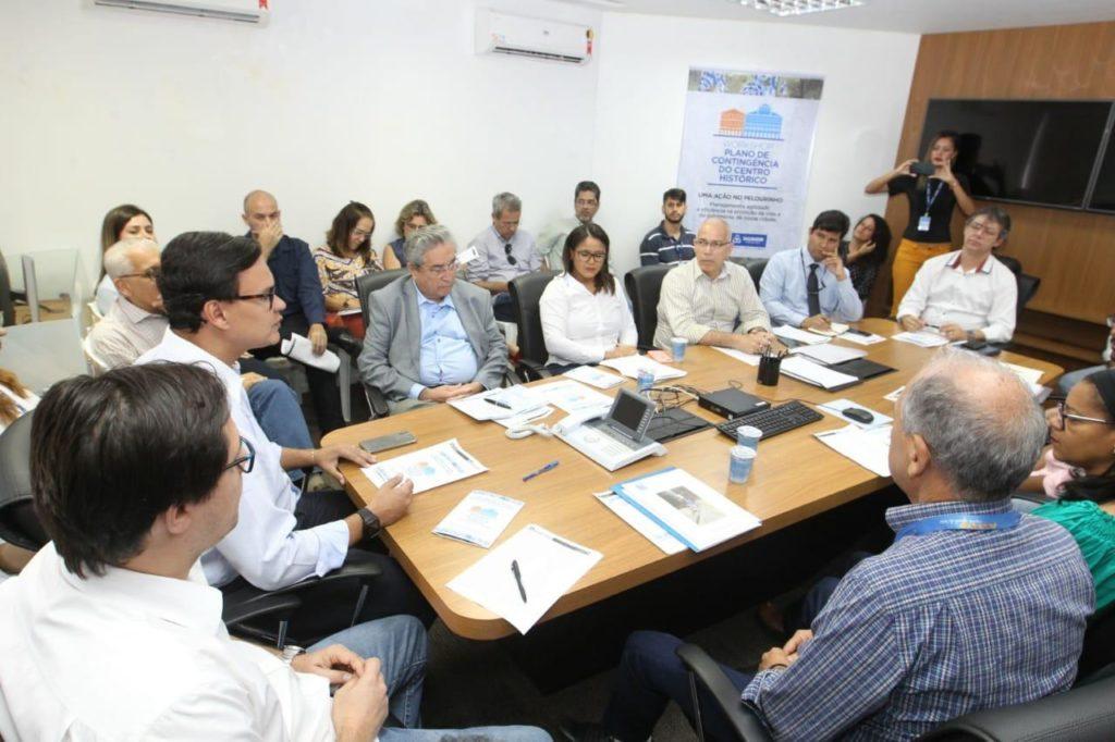 Foto da reunião do grupo de trabalho que implementou a Política Municipal de Proteção aos Casarões do Centro Histórico de Salvador